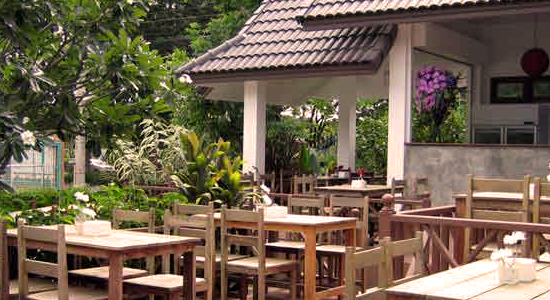 Restaurant at Baan Saranya Lodge & Restaurant Khao Yai, resort in Kao Yai