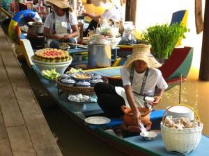 art floating market in kao yai